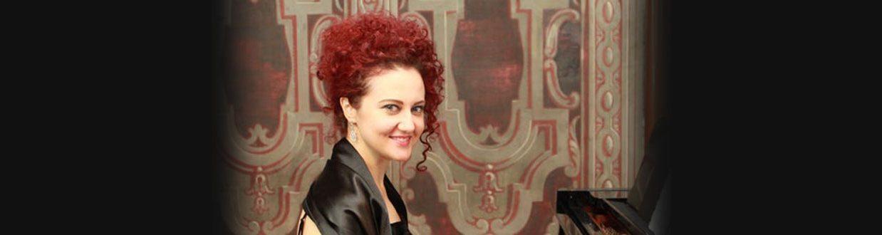 Mihaela Stefanova - pianistin